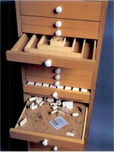 Le Flux cabinet.